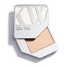 Foundation - Lightness - Kjaer Weis