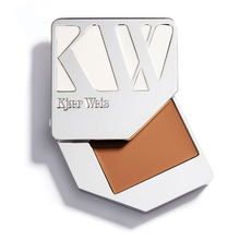Foundation - Transparent - Kjaer Weis